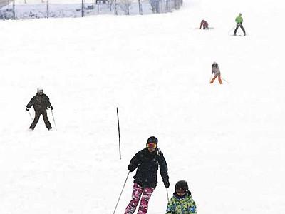 きそふくしまスキー場、客8%増 今季の営業終了