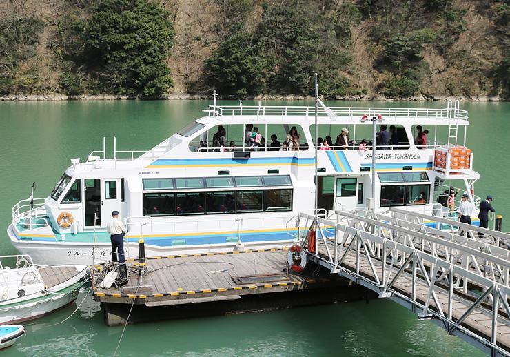 1日からキャンペーンを始めた庄川遊覧船