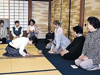 金沢の旧園邸で観桜の茶会