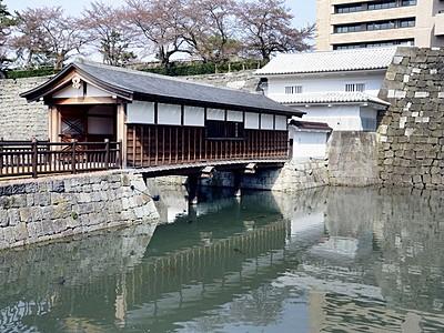 福井城址の「お堀舟巡り」復活 歴史ロマンに浸る20分間