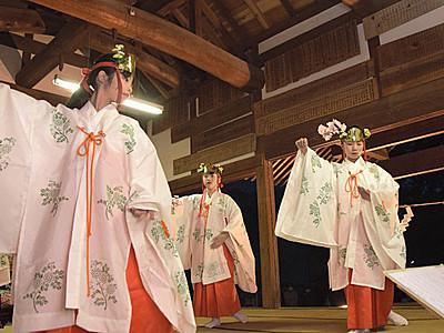 創建1300年の舞 上田の石舟神社で地元小中学生ら奉納
