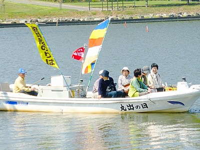 船で吉崎御坊に参拝しよう 北潟湖で「吉崎舟まいり」