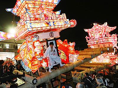 津沢夜高祭「つりもの」初のコンクール