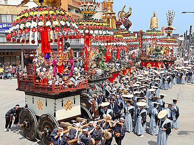 絢爛7基堂々と 「平成」最後の高岡御車山祭