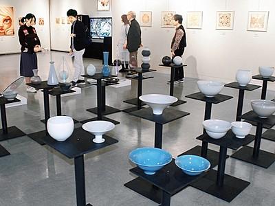 絵画や陶器、独創的に 福井市美術館、作家5人が110点
