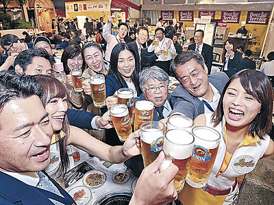 夏を先取り、乾杯! 金沢でビアテラスがオープン