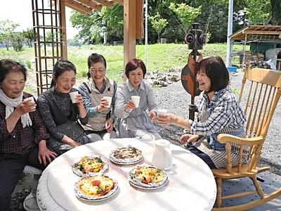 長岡・和島「椿の森倶楽部」 カフェ開設、石窯で料理も