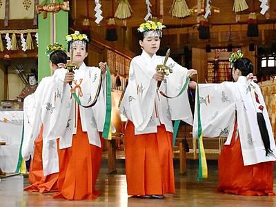 北陸三大祭り「三国祭」が開幕 20日は山車6基巡行
