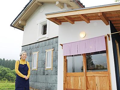 美容院開業で集落に活気 細入の森田さんが築100年の蔵改装