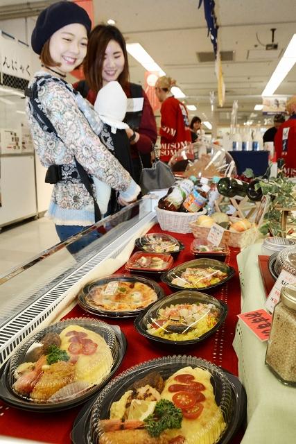 福井の食ブランドを集めた「おいしいふくい大博覧会」=5月30日、福井市の西武福井店