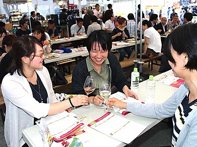 県産ワイン140銘柄、お好みで 松本で「サミット」