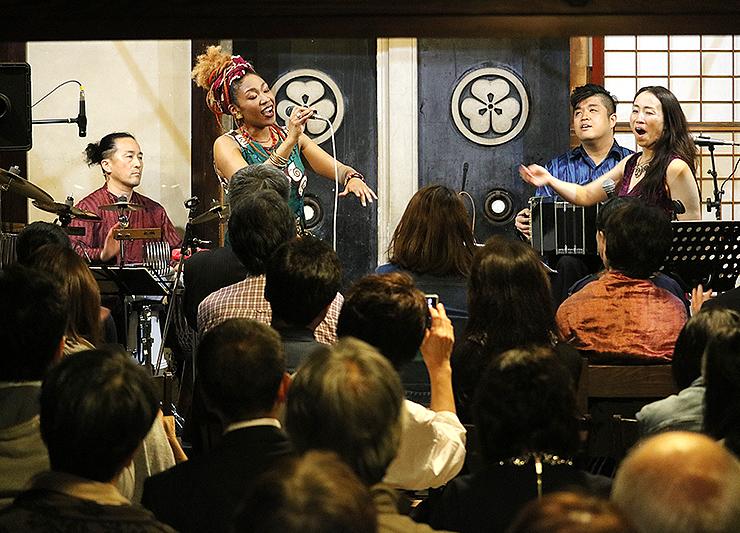 5月にOYATSUで開かれたライブイベント