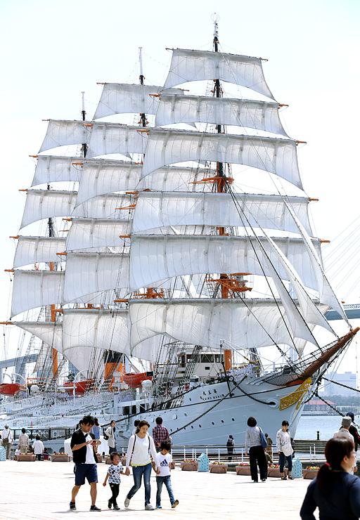 第2回「ふね遺産」に認定された帆船海王丸=4月22日、海王丸パーク
