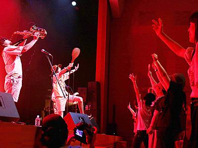 ロックで高岡盛り上げ 19組が熱いステージ