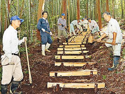 天然記念物の林を気軽に 小矢部・小白山登り道整備