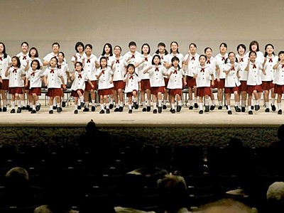 長岡市立劇場 ホール一新 歌声のびのび 改修終え内覧会