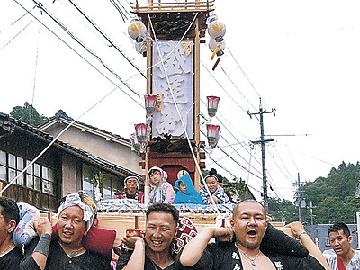 あばれ祭へキリコお披露目