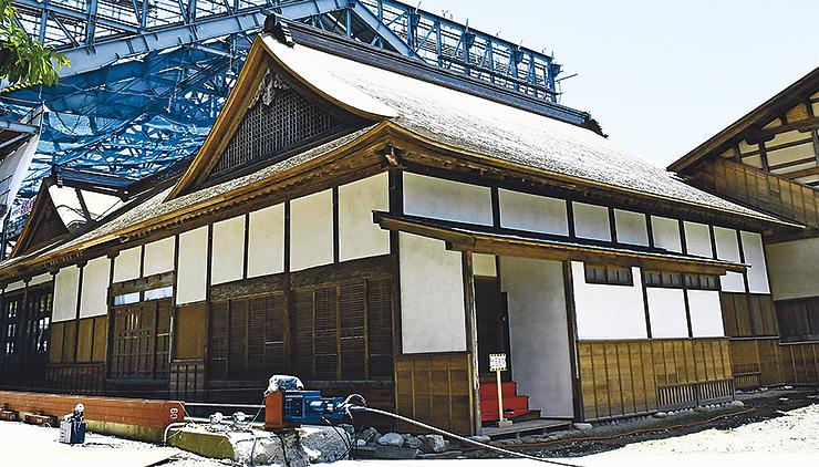 8月4日から一般公開される勝興寺の本坊=2017年6月、高岡市伏木古国府