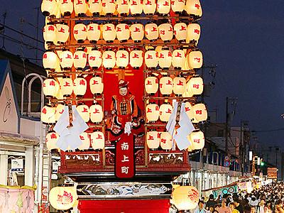 曳山練りまちに熱気 氷見で祇園祭り始まる