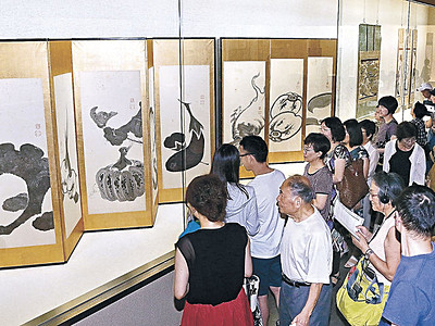 来場5万人突破 「若冲と光瑤」展 石川県立美術館