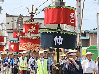 夏の風物詩 須坂で笠鉾巡行