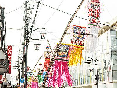 吹き流し商店街彩る 福光ねつおくり七夕祭りきょう26日開幕