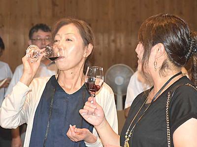 千曲産ワイン、出来栄えは? 初醸造の試飲会