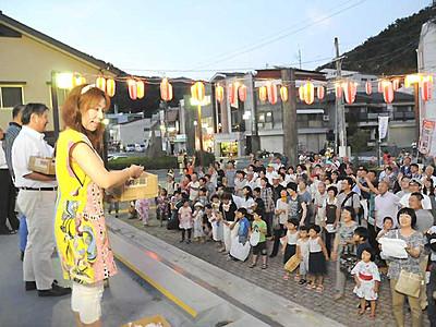 御嶽海関に「感動大賞」 出身の上松町、優勝イベント