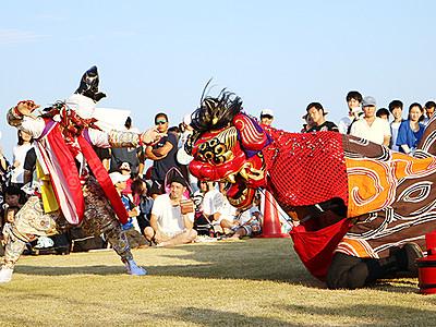 勇壮に伝統の舞 氷見で獅子舞フェス
