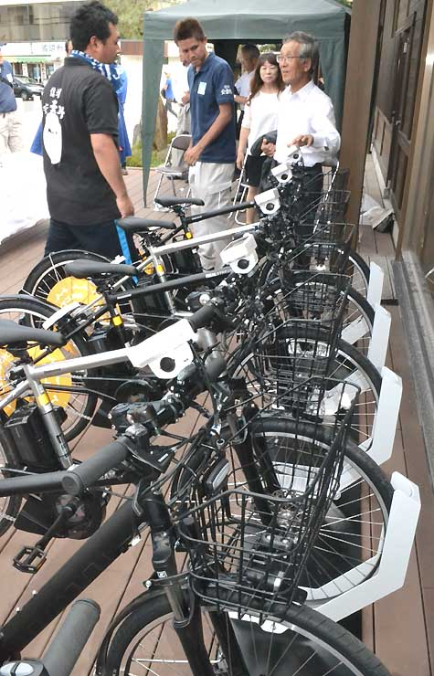 穂高駅前に設けたシェアサイクル専用の駐輪場