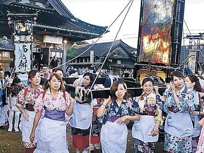 女キリコ勇壮、豊漁願い練る 志賀・西海祭り