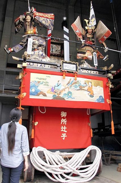 9月4日の巡行を待つ「御所辻子山車」=8月30日、福井県敦賀市みなとつるが山車会館