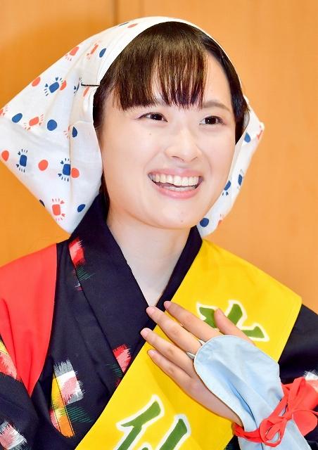 水仙娘に選ばれた井上みのりさん=9月9日、福井新聞社・風の森ホール