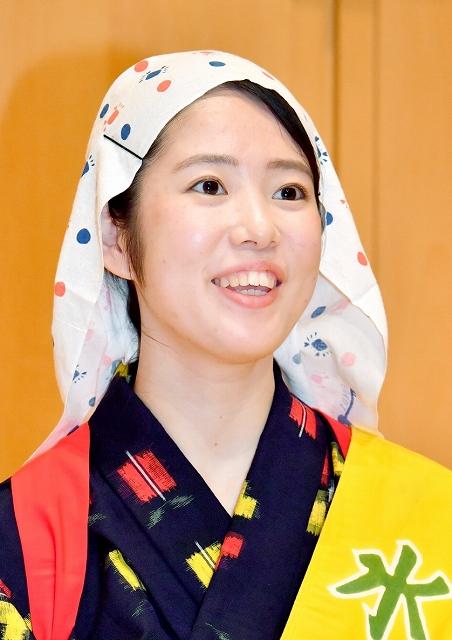 水仙娘に選ばれた重久理衣子さん=9月9日、福井新聞社・風の森ホール