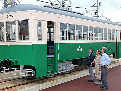県内駆け60年、路面電車復元 高岡