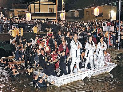 神輿載せ御座舟進む 羽咋で川渡し神事