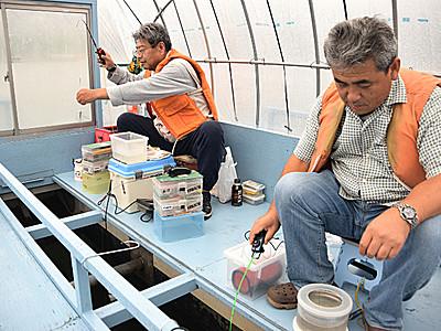 豊漁期待できるぞ 諏訪湖ワカサギ、今季の営業開始
