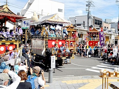 放生祭、古い町並み熱く 福井県小浜市
