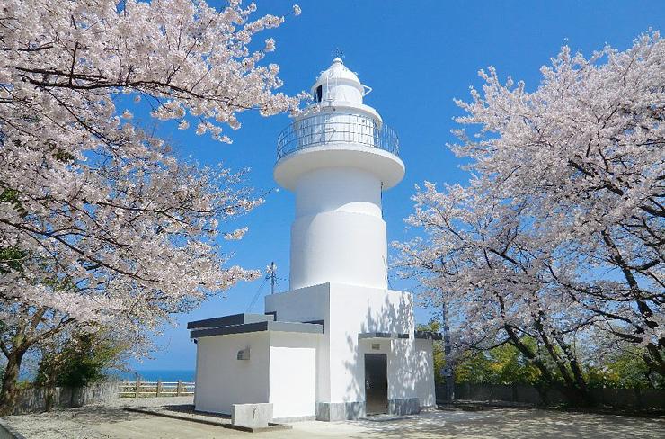 高岡市の岩崎ノ鼻灯台