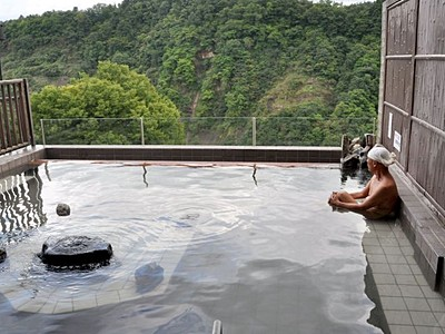 温泉復活にぎわいワクワク 十日町・松之山の日帰り施設