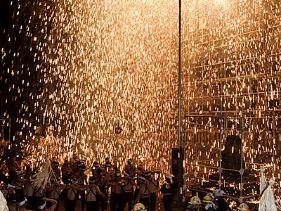 五穀豊穣願い筒花火 駒ケ根の神社で「三国一煙火」奉納