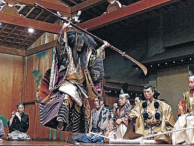 静と動の変化、劇的に 県立能楽堂で北國宝生能