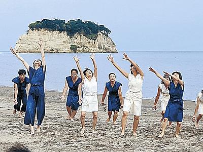 白鳥、黒鳥舞う ケイタケイさん珠洲で公演