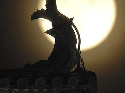 中秋の名月、名城を照らす 松本で共演