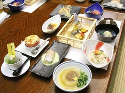 新発田 おごっつおう祭り開幕 酒かす使い弁当や会席