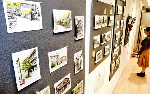 今立地区や旧南越線の風景を描いた上野谷さんの個展=福井県越前市の「あいぱーく今立」