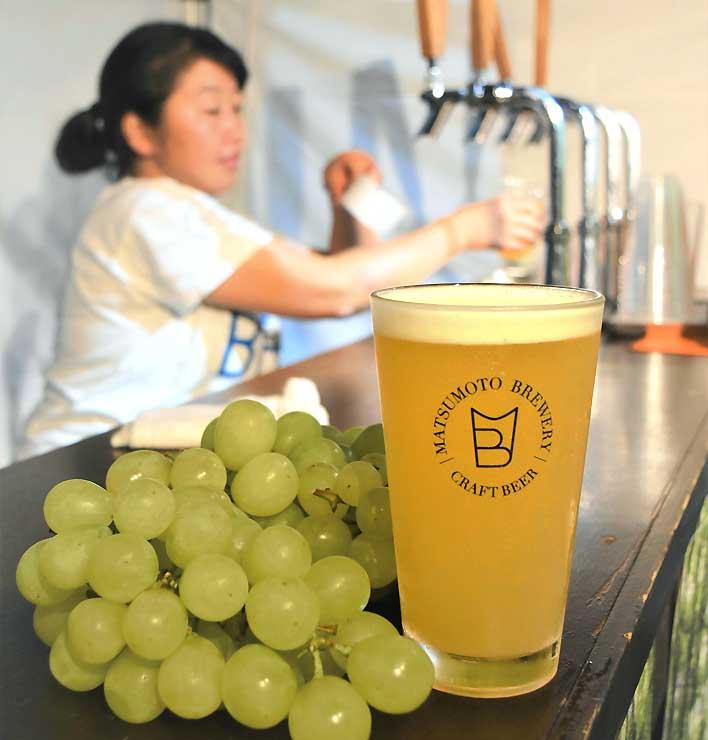 ブドウを使った発泡酒「松本グレープエール」