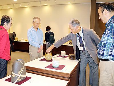 意欲作350点 富山大和で県郷土陶芸展