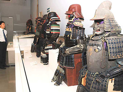 高遠藩ゆかりの武具一堂に 伊那で募集の「家宝」150点