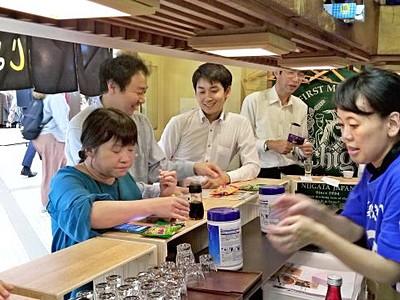 新潟の味気楽に 立ち飲み居酒屋 大阪に期間限定オープン